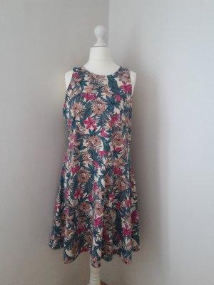 Kleid mit Tropenmuster