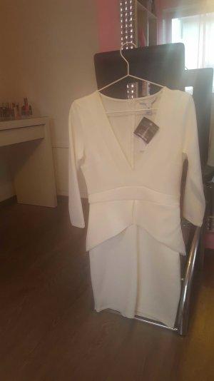 Kleid mit V- Ausschnitt