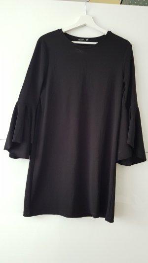 Kleid mit Volantärmel