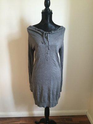 Kleid mit Wasserfall ausschnitt in Grau