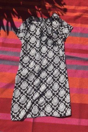 Kleid Muster fein
