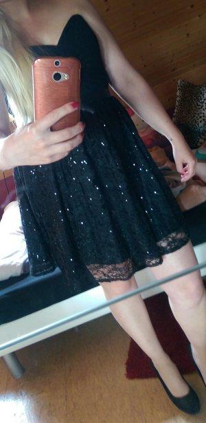 Kleid (noch nie getragen) fällt eher wie größe 40 aus