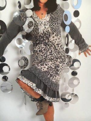 Kleid nur einmal getragen - neuwertig