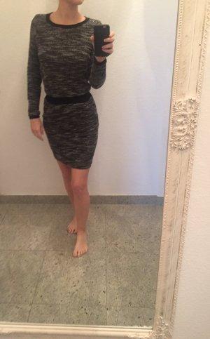 Kleid Object Größe 34 figurbetont Winterkleid Herbstkleid
