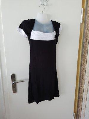 Kleid oder auch Longshirt abzugeben