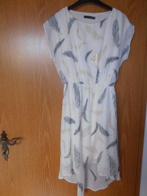 Kleid Primark aus London vorne kurz hinten lang in Gr. 34 XS weiß mit Blättern