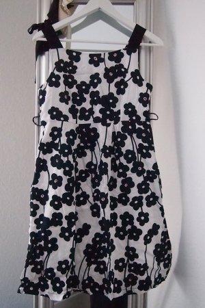 Kleid Promod schwarz-weiß Größe S Blumen