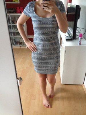 Kleid Pull&Bear Zara Print XL 38 40 Blau Weiß Etuikleid Rückenfrei