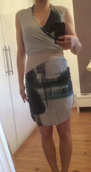 Kleid Reiß Größe 36
