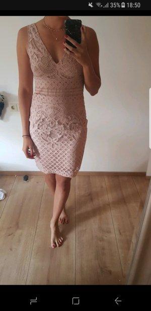 New Look Vestido de encaje rosa empolvado