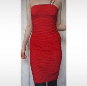 Kleid rot bodycon schulterfrei Forever 21