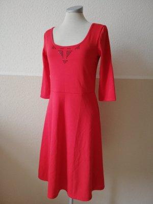 Vestido ceñido de tubo rojo-negro