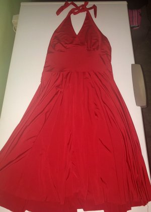 Robe dos-nu rouge