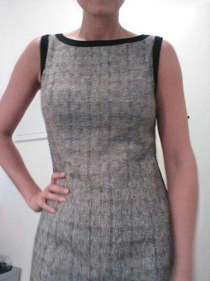 Kleid s. Oliver
