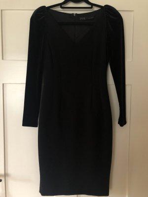 Kleid Samt schwarz von Zara Gr. 36