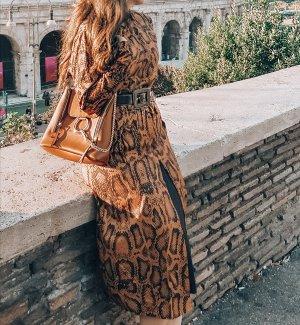Kleid Schlangenmuster