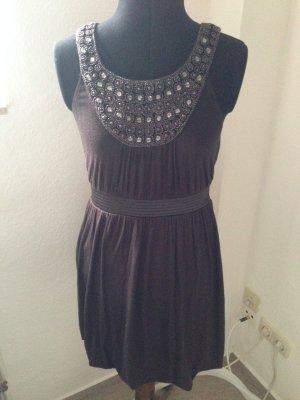 Kleid Schmucksteine embellishment Blogger