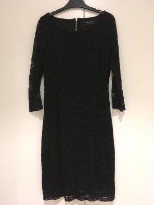 Kleid schwarz aus Spitze