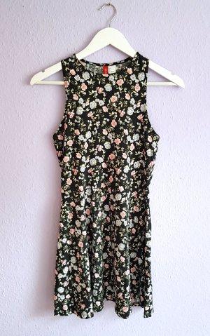 Kleid Schwarz Geblühmt H&M Gr. S