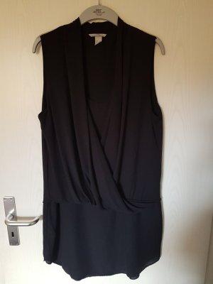 Kleid schwarz in fließendem Stoff