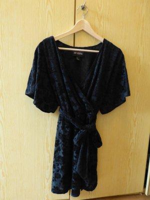 Kleid, schwarz mit dezentem Blumenmuster