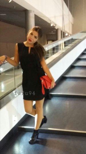 Kleid schwarz mit Gürtel