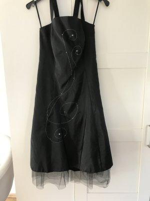 Kleid schwarz mit Stickerei und 2x Bolero Gr. 34/36