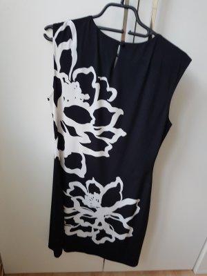 ××× Kleid Schwarz mit weißen Blüten×××