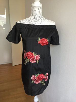 Kleid schwarz Off shoulder Rosen Stickerei Gr S NEU