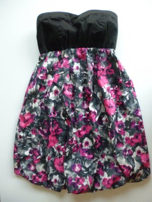Kleid schwarz pink grau bunt schulterfrei mit Blumen