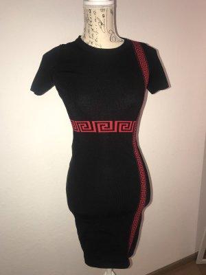 Kleid Schwarz/Rot Gr.L/XL fällt wie M/L aus