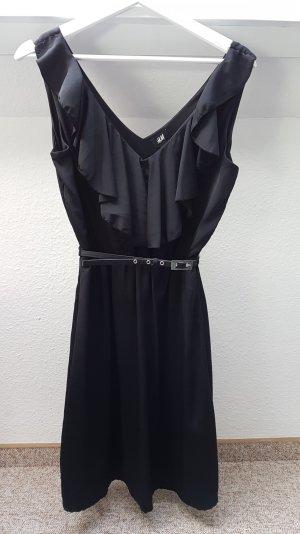 Kleid schwarz Volants