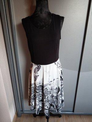 Kleid schwarz weiß Bodyflirt