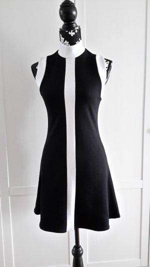 Kleid schwarz/weiß mit Stehkragen
