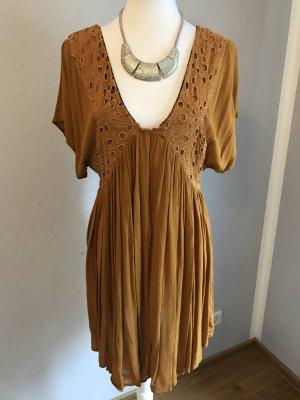 Kleid  senffarbe mit V-Ausschnitt
