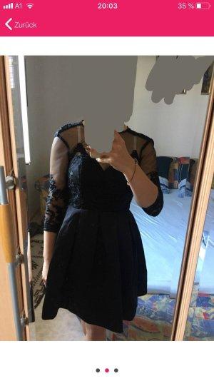 Chi Chi London Vestido de encaje negro