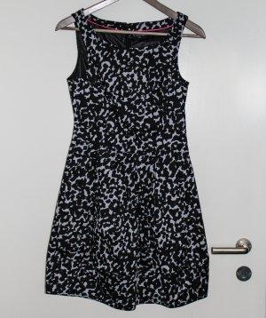 Kleid *Soaked in Luxury* Gr. XXS