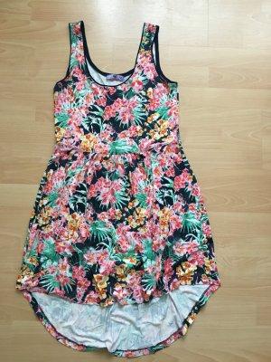 #Kleid#Sommer#Blumenprint#Fokuhilaschnitt#Blogger#stylisch