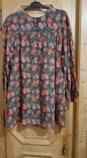 Kleid Sommerkleid Minikleid mit Blumen