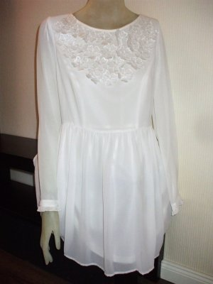 Kleid Spitzenblüten romantisch * neu