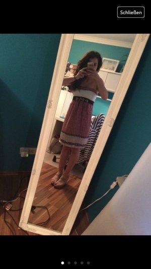 Kleid Trägerlos sexy und schön