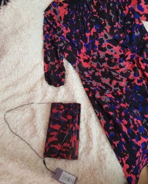 Kleid und Clutch mit Multiprint