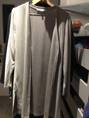 Kleid und Jacke von Swiss Label