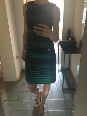 Kleid, ungetragen und mit Etikett