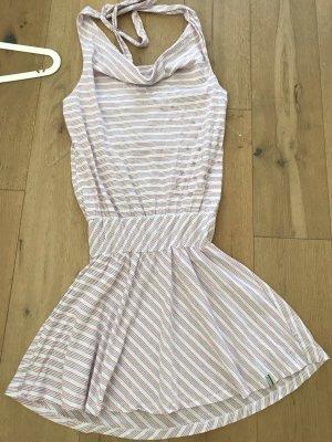Kleid von Aem Kei