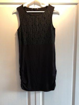 Kleid von Anna Field