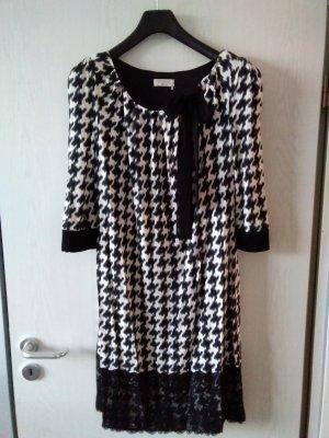 Kleid von Apanage, nur 1x getragen, wie neu!