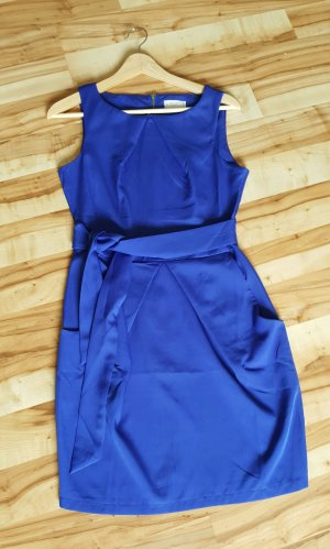 Kleid von apricot Fb. royalblau