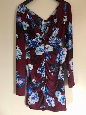 Kleid von Asos.
