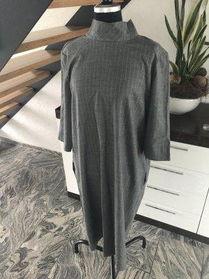 Kleid von ASOS in 44